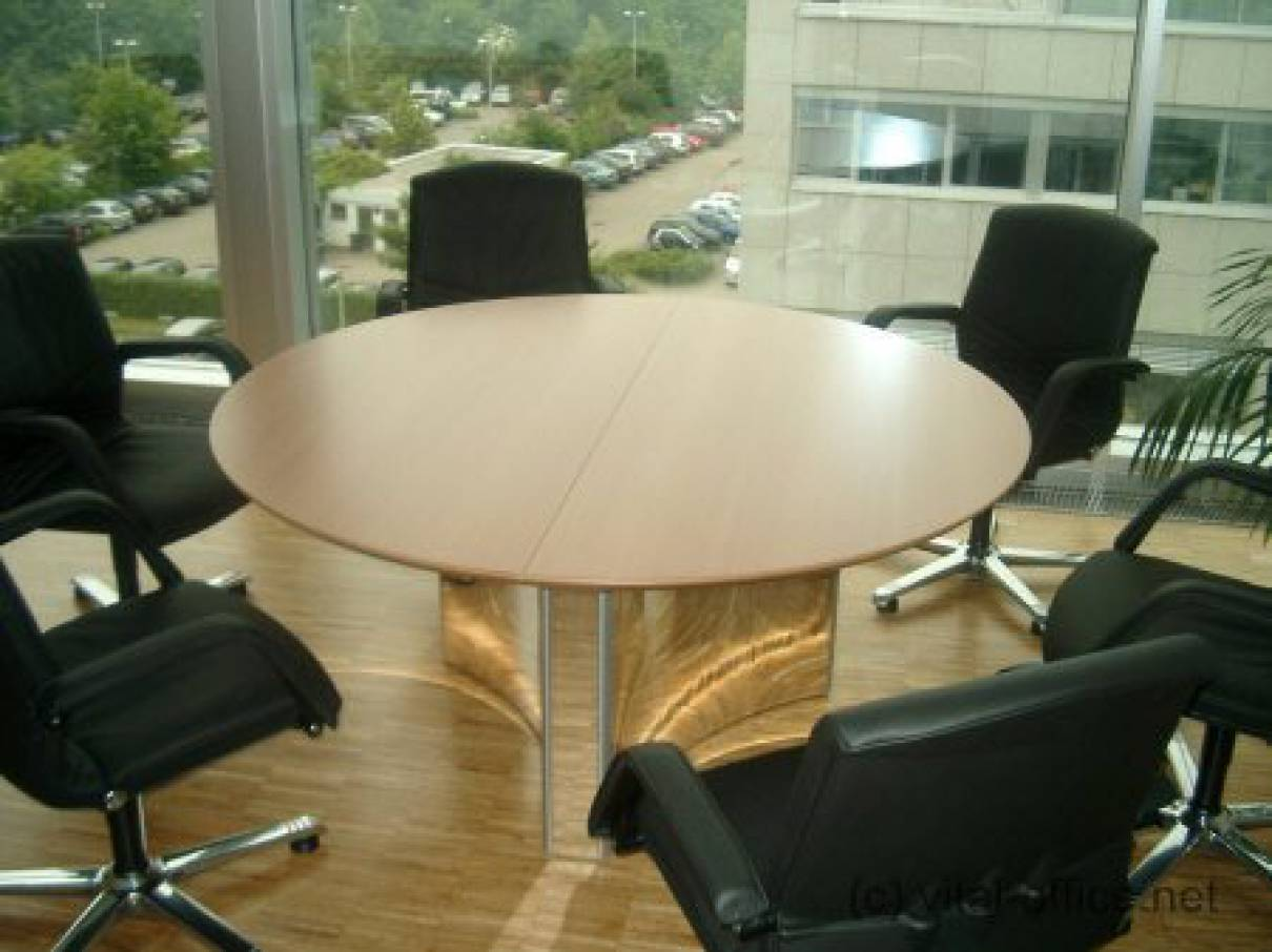 Classic Table Office Circon S Class The Round Table Is The Classic Round Table In