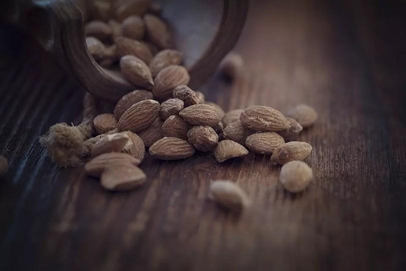 almonds-1266848_960_720