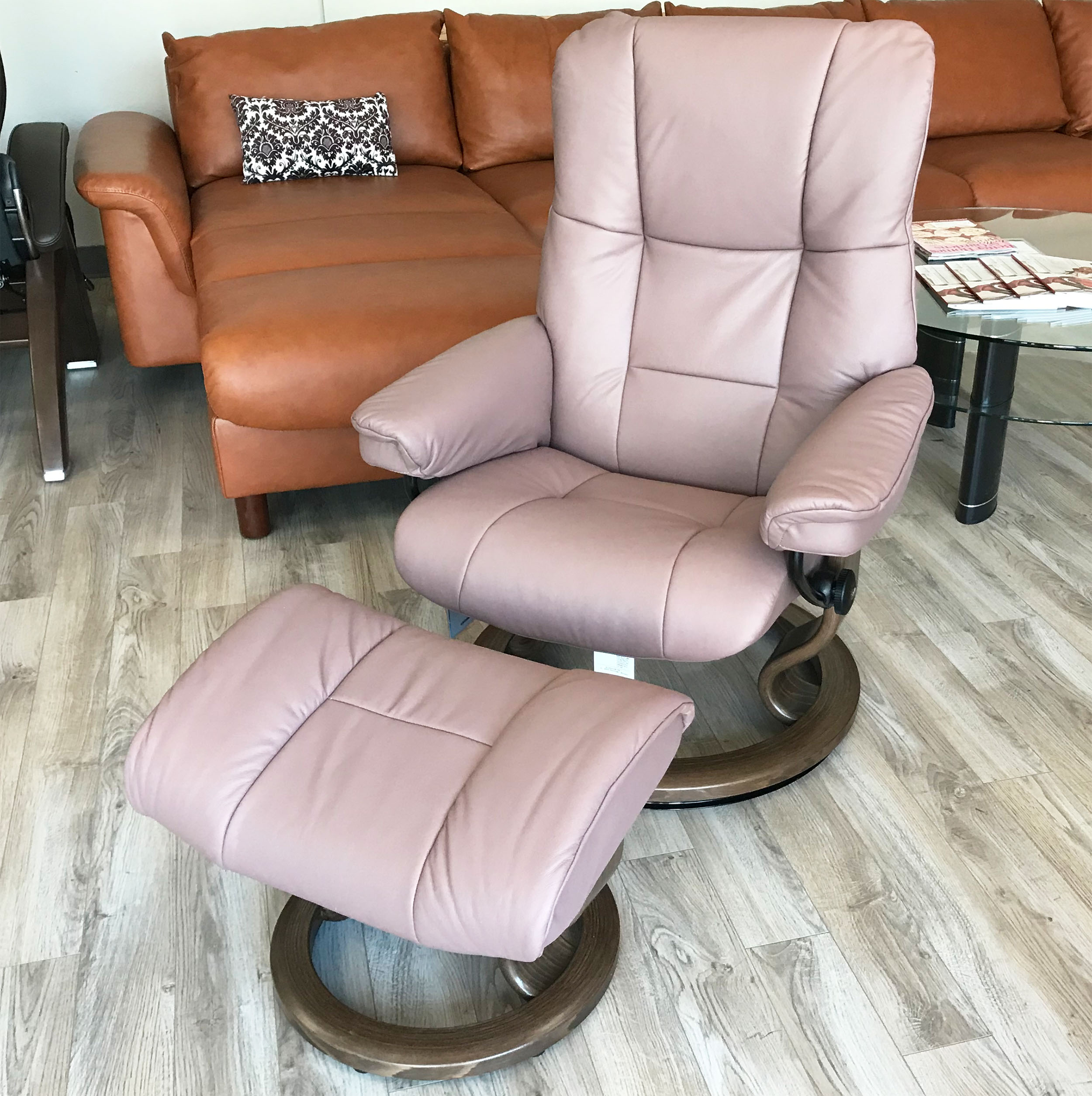 Leather Recliner Chair With Ottoman Stressless Mayfair Paloma Dusty Rose Leather Recliner Chair And Ottoman By Ekornes