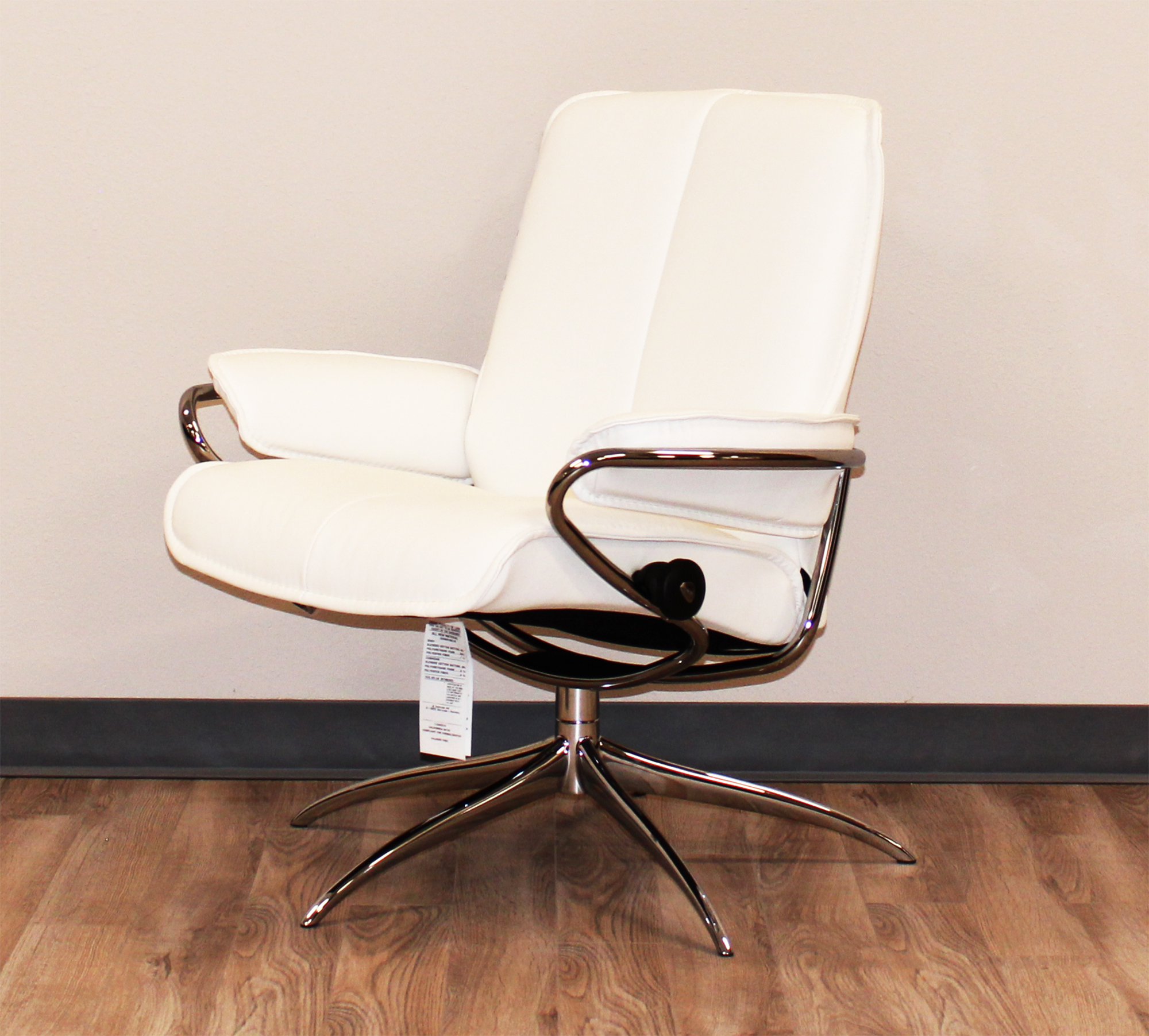 Stressless-world.com Stressless City Low Back Batick Snow Chrome Base Leather Recliner Chair By Ekornes