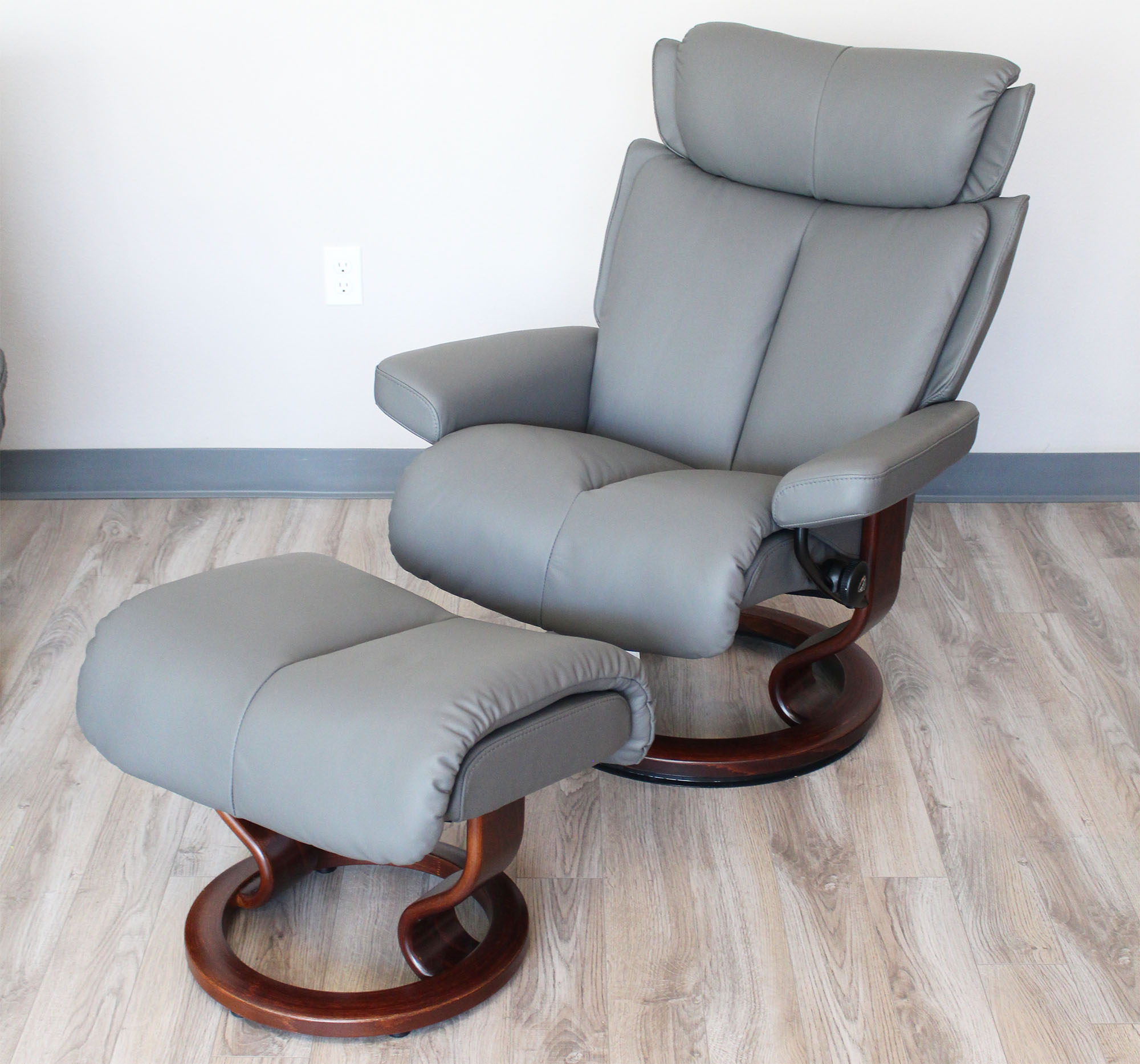 Stresless Stressless Magic Paloma Metal Grey Leather Recliner Chair And Ottoman By Ekornes