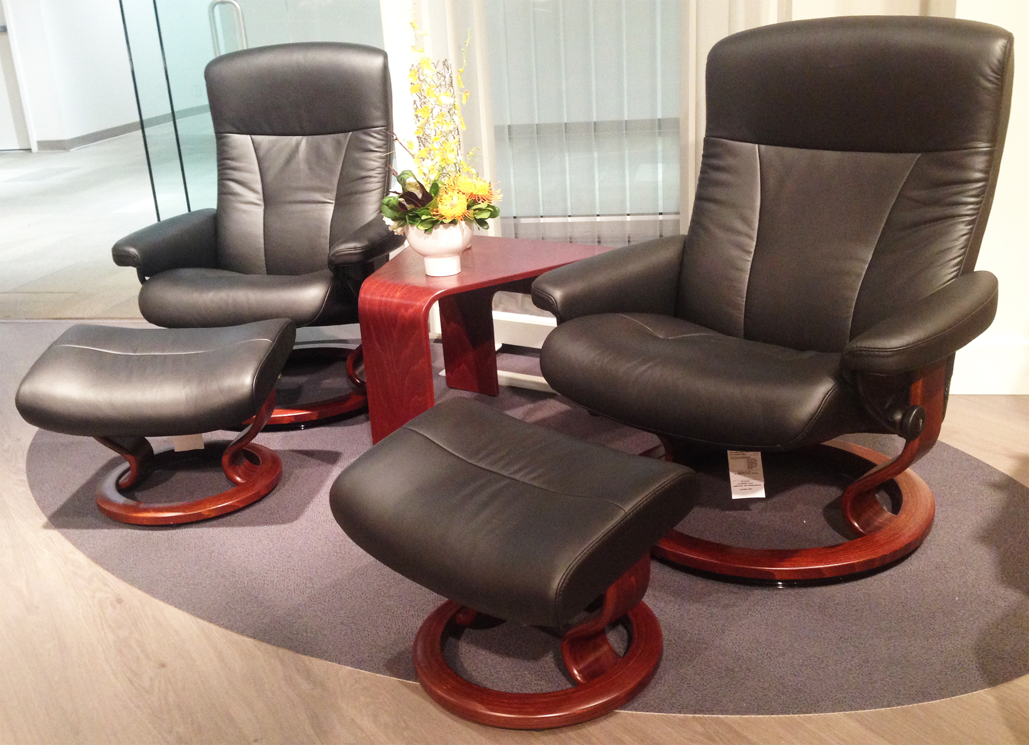 Ekornes Stressless Stressless President Recliner Classic Wood Base Chair And Ottoman
