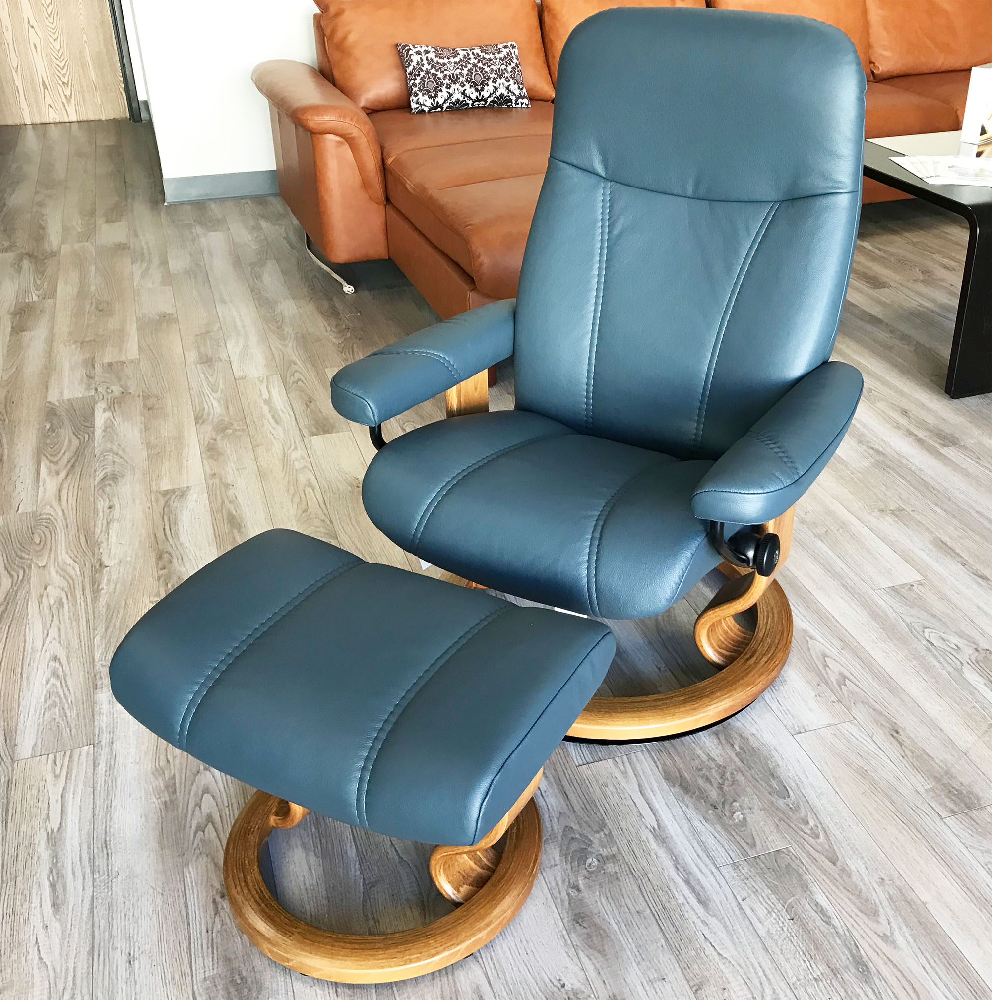 Leather Recliner Chair With Ottoman Stressless Ekornes Consul Batick Atlantic Blue Leather Recliner Chair And Ottoman
