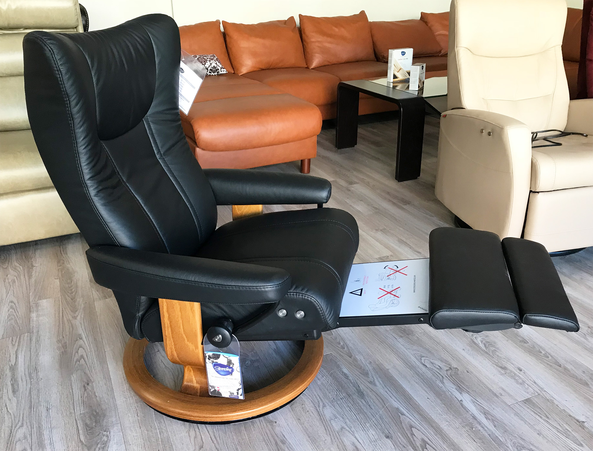 Stressless Wing Classic Legcomfort Stressless Wing Legcomfort Paloma Black Leather Recliner