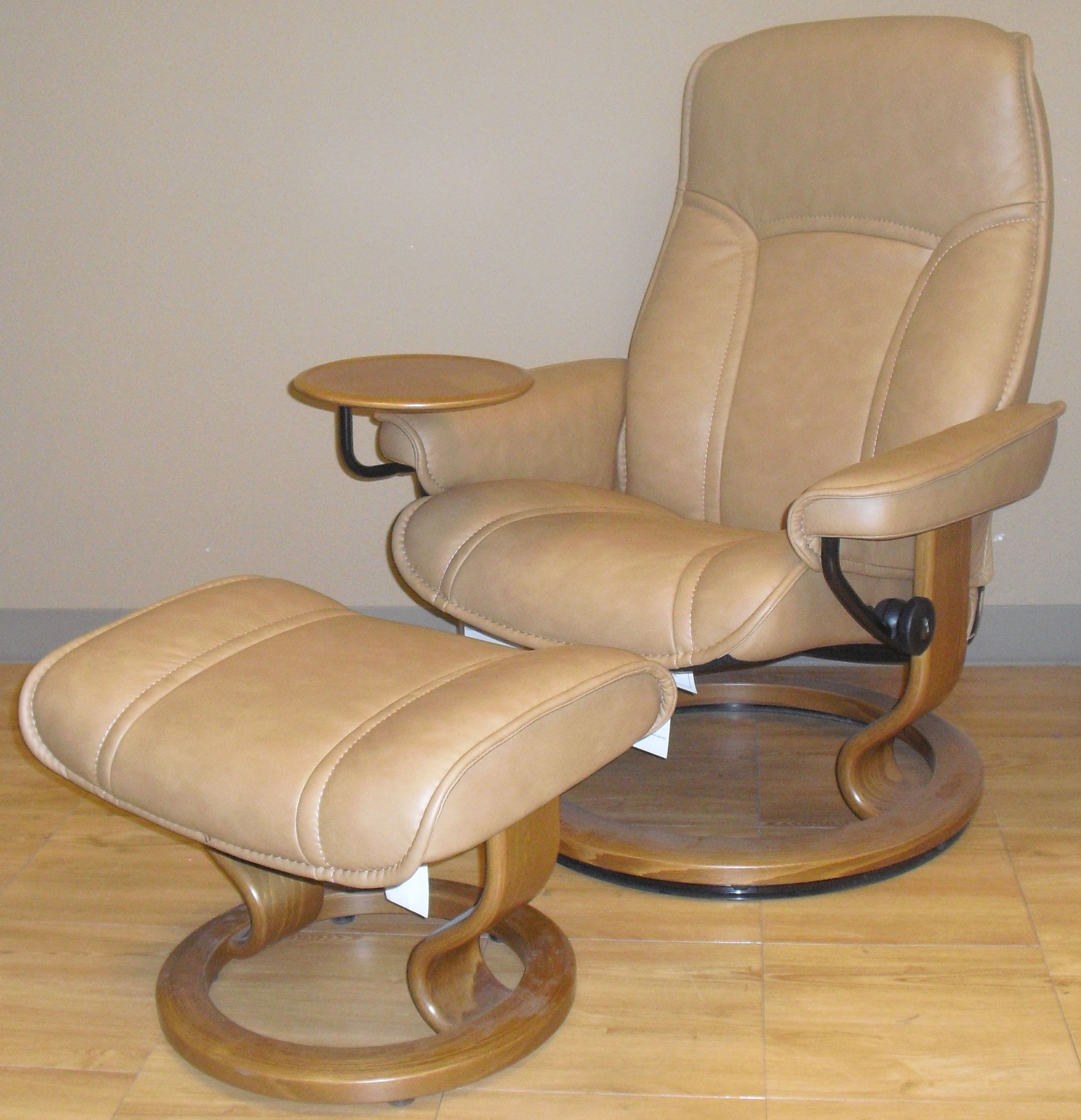 Ekornes Stressless Stressless Governor Large Leather Recliner Classic Wood Base Chair And Ottoman