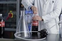amway-trata-de-filtrar-cola-negra-con-su-purificador-de-agua-espring