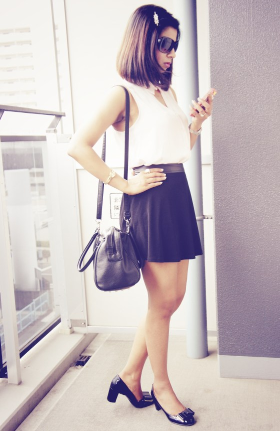 How to style a black skirt