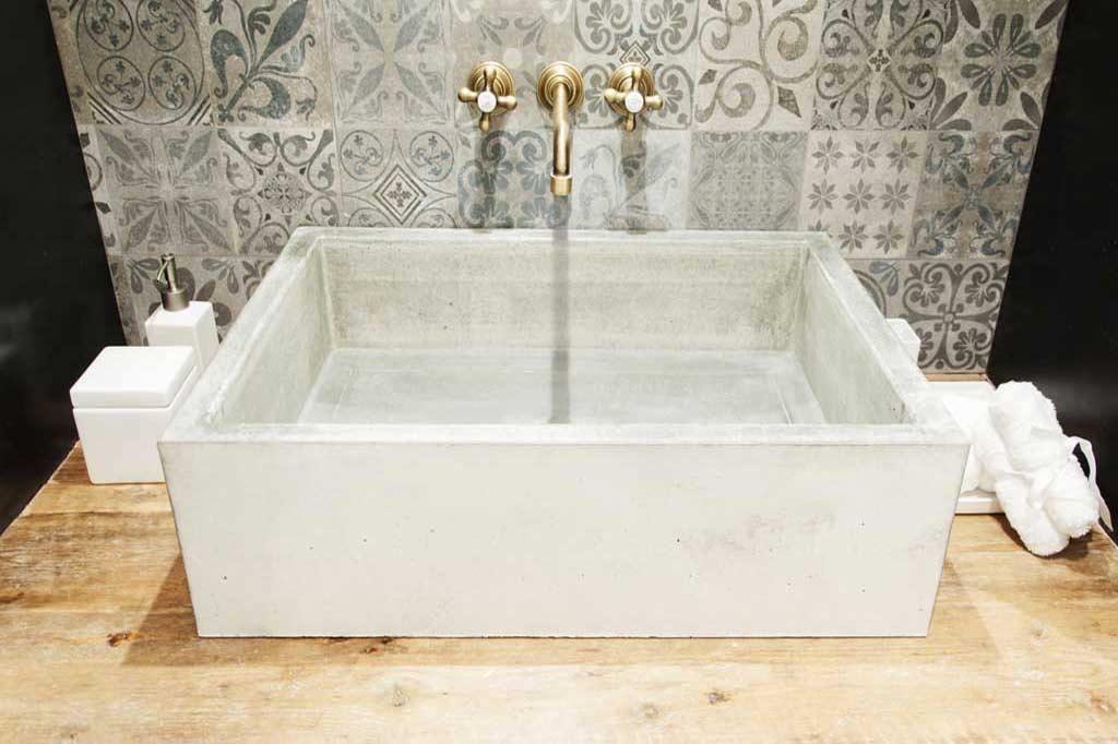Lo natural tambi n triunfa en el lavabo vivestudio - Lavabo microcemento ...