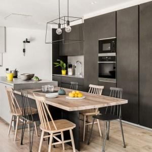 01-cocina-moderna-mesa-diseno-madera