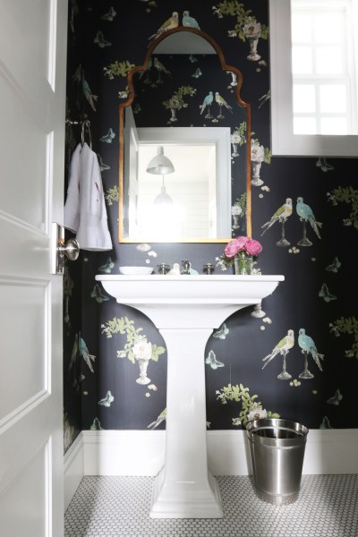 8 Fabulous Powder Rooms That Will Inspire A Makeover | VIYET