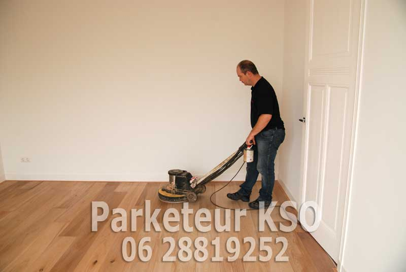 Eiken Vloer Schuren : Kso parketeur schuurt eiken vloeren vloeren schuren