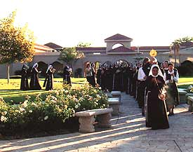 franciscan_sisters_procession