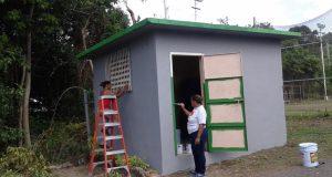 El municipio de Ponce donó pintura para la estructura y las gradas, para que los residentes pudieran realizar las mejoras.