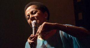 La intérprete y compositora peruana Susana Baca estará en Ponce como parte del Festival de la Palabra.