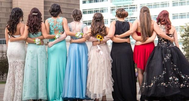 Asistir al baile de graduación de cuarto año representa para muchas jóvenes cerrar con broche de oro largos años de esfuerzo y sacrificio escolar. (Flickr / Kevin Sumual)