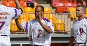 Heriberto Velázquez ya formaba parte del equipo técnico de los Petroleros previo a su designación como dirigente de la novena.