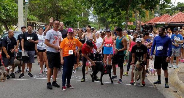 Cientos de personas participaron del evento 3.5K Córrelo o camínalo con tu mascota.