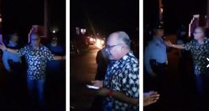 Instantes del intercambio del sacerdote Pedro Ortiz con policías esta noche en Guayama. (Captura / Facebook / Waldemar Rivera)