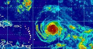 El huracán Irma se encuentra en la latitud 16.8 N longitud 52.6 O de acuerdo con informe de las 8:00 a.m. de Centro de Huracanes de Estados Unidos
