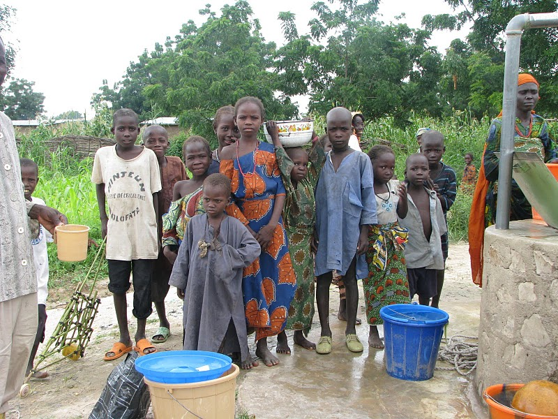 Northern Cameroun: Bucket chlorination for treatment of epidemic cholera (3/3)