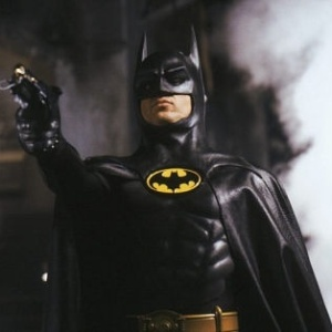 michael-keaton-em-cena-do-filme-batman-1989-1305582782828_300x300