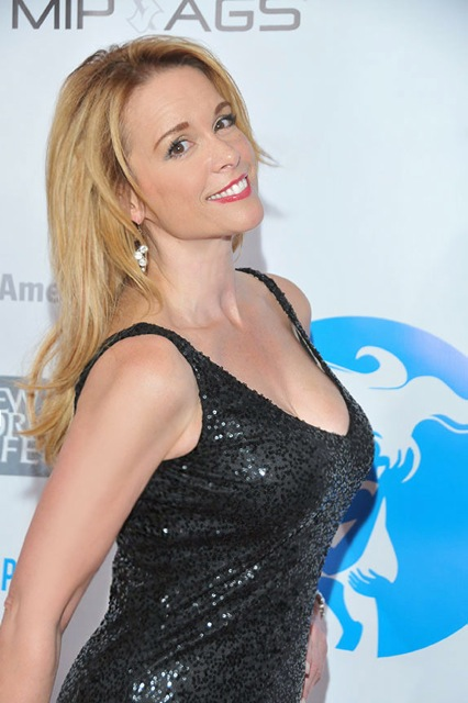 Chase Masterson Nude Photos 56