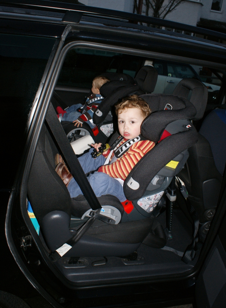 Rear Facing Car Seat Behind Driver Going Backwards – Extended Rear Facing Car Seats Volker