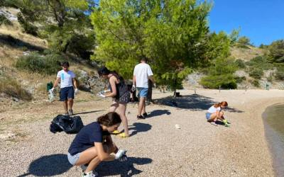 Na Martinskoj mladi volonteri provode akciju čišćenja okoliša i to u sklopu vrijednog EU projekta