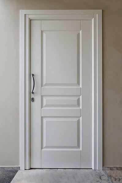 porte ingresso blindate quanto costa La porta blindata è la più utilizzata per la protezione dell'ingresso di abitazioni, uffici e negozi ed le porte blindate sono costituite da un insieme di elementi che concorrono a creare una quanto costa una porta blindata.
