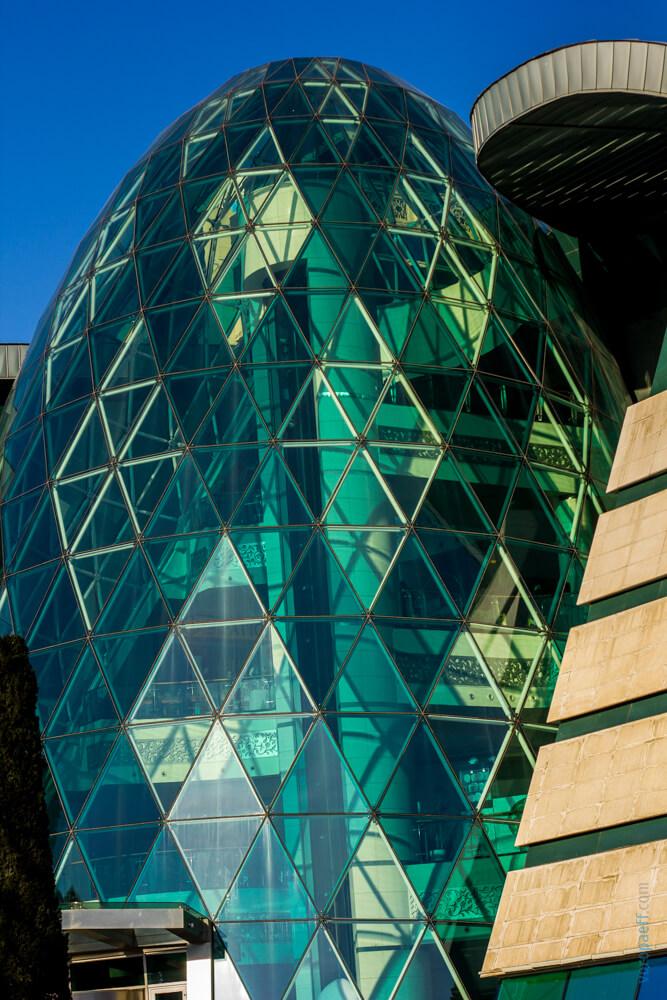 Лондон в Баку