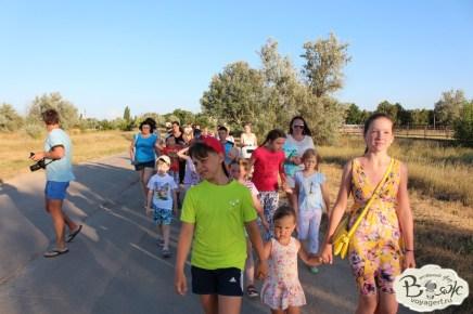 Отдых в Крыму с детьми. Заозерное. Гостиный двор Вояж. По дороге к Нептуну.