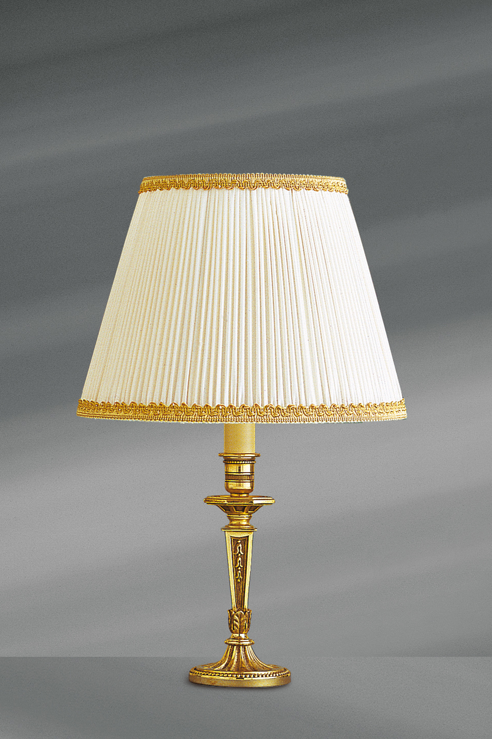 Lampe Gold One Light Lamp Bronze Finish Old Gold Geometric Decoration Pleated And Braided Lampshade