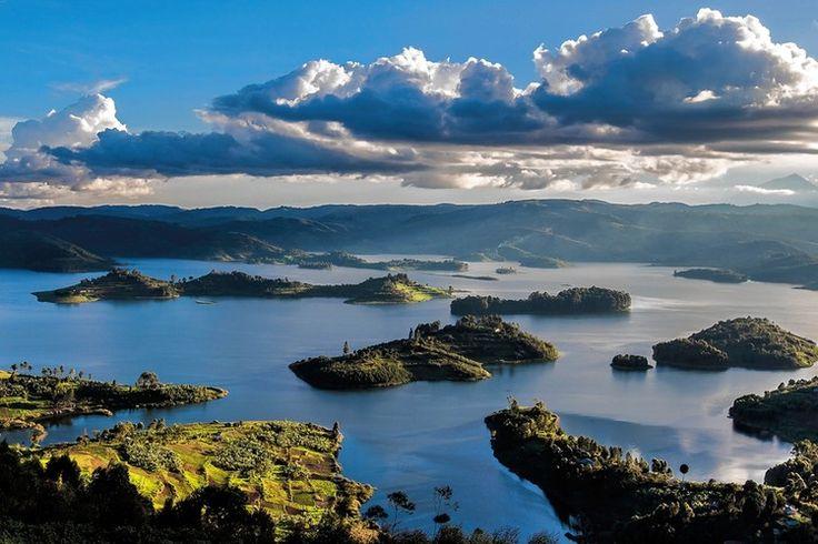 Lake Bunyonyi Oeganda