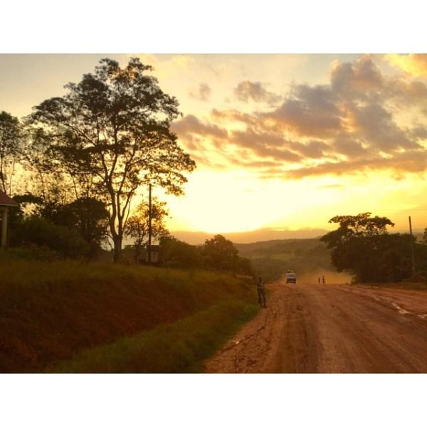 stoffige wegen in Afrika