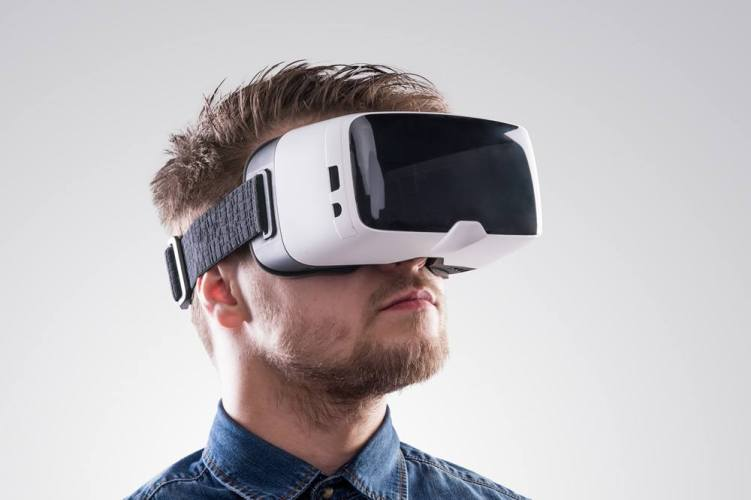 Intro to Virtual Reality Gear
