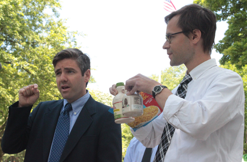 Jared Carter, managing attorney at the Vermont Consumer Litigation Center, left, with Kenneth Miller of Law for Food. VTD Photo/Taylor Dobbs