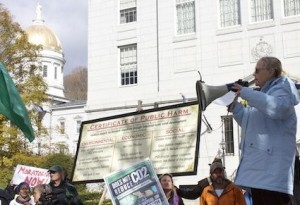 Anti-wind protesters gather outside the Vermont Statehouse. Photo by Andrew Stein.