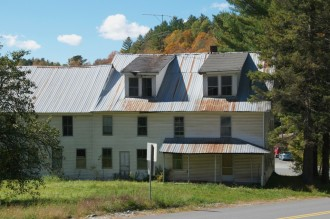 The Drennan Hotel, now vacant, on Route 14 in Woodbury. Photo by Dirk Van Susteren