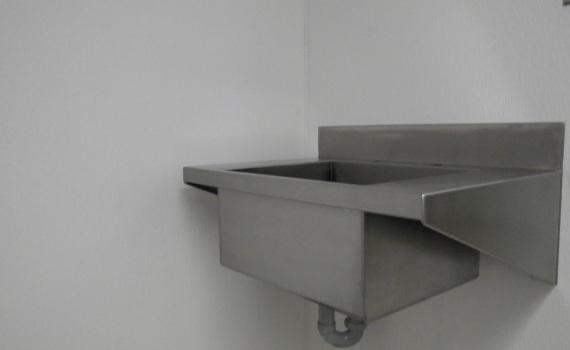 Wall Mount Sink Vuta