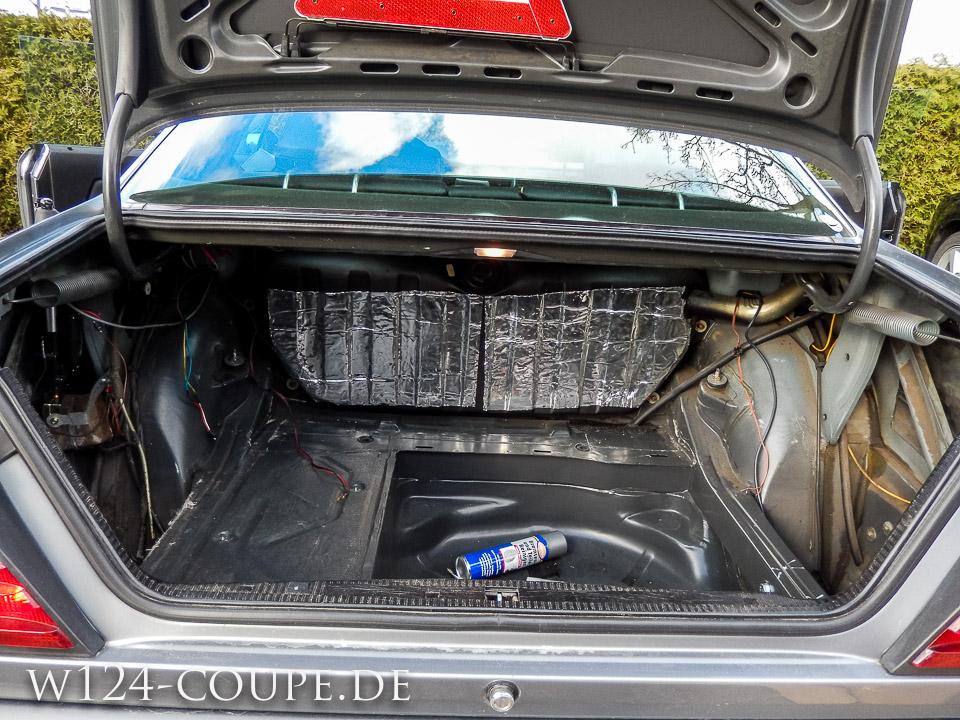 einbau einer carhifi anlage in das merceds benz w124 coupe w124. Black Bedroom Furniture Sets. Home Design Ideas