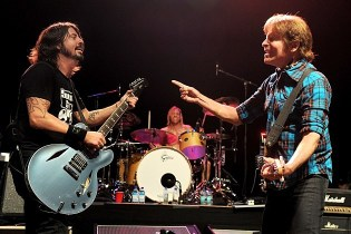 "John Fogerty with Foo Fighters ""Fortunate Son"" live"