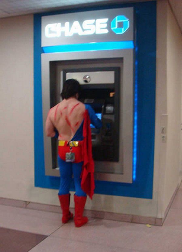 strange people at atm 02 10 Strangest People At ATMs