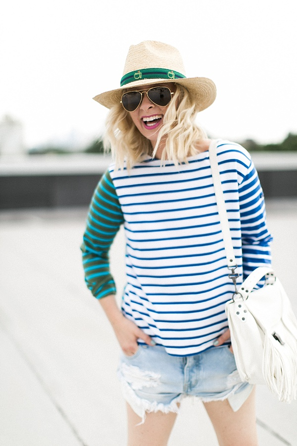 Summer stripes with Masters hat and aviators