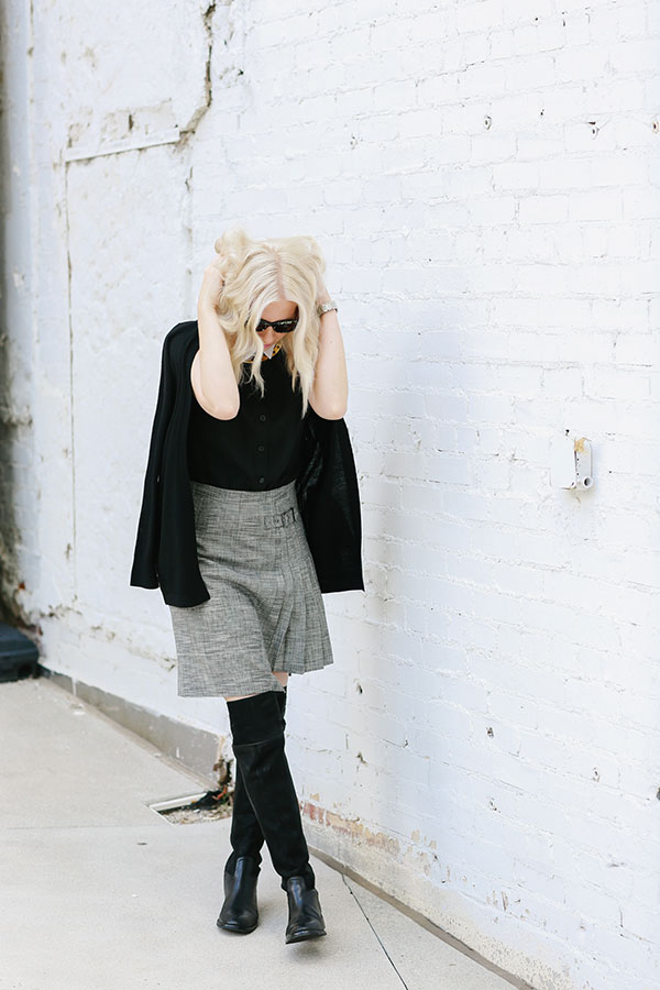Black and grey fall outfit ideas on @waitingonmartha