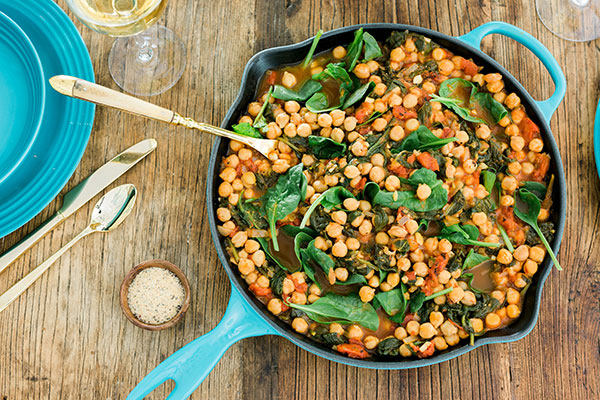 Traditional Spanish side dish: espinacas con garbanzos (spinach with chickpeas)