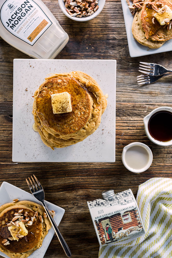 christmas-morning-gingerbread-pancakes