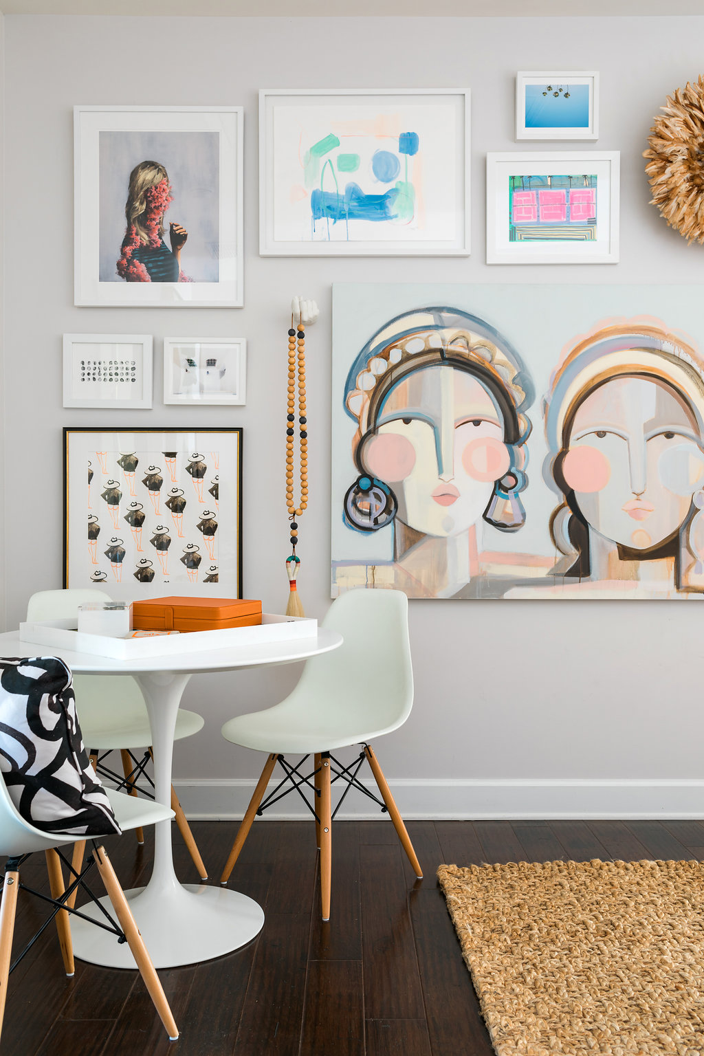 3d Gallery wall ideas complete with our favorite Juju Hat, waitingonmartha.com
