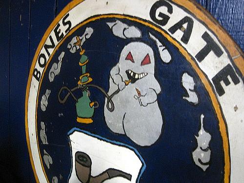 Bones-Gate