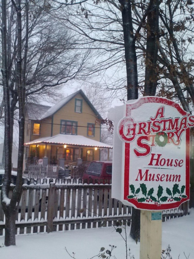 large of a christmas story house