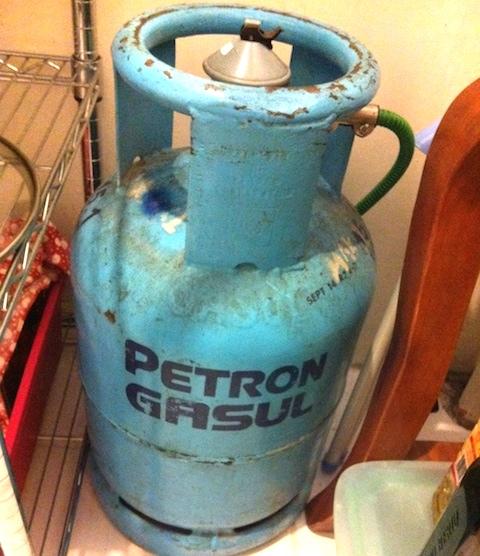家庭用のLPガス缶
